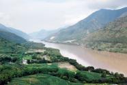 守护长江上游生态屏障:河长制让河清水净责任到人