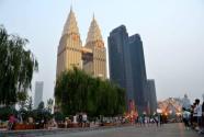 重庆南滨路:一条街映照一座城