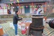 """湖北房县:千年古法酿出""""脱贫致富酒"""""""