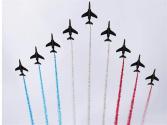 法国国庆节阅兵式展示新式武器装备