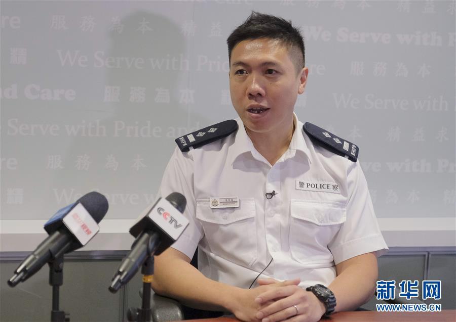 """(图文互动)(1)香港警察:""""为了维护法纪,受伤也值得!"""""""