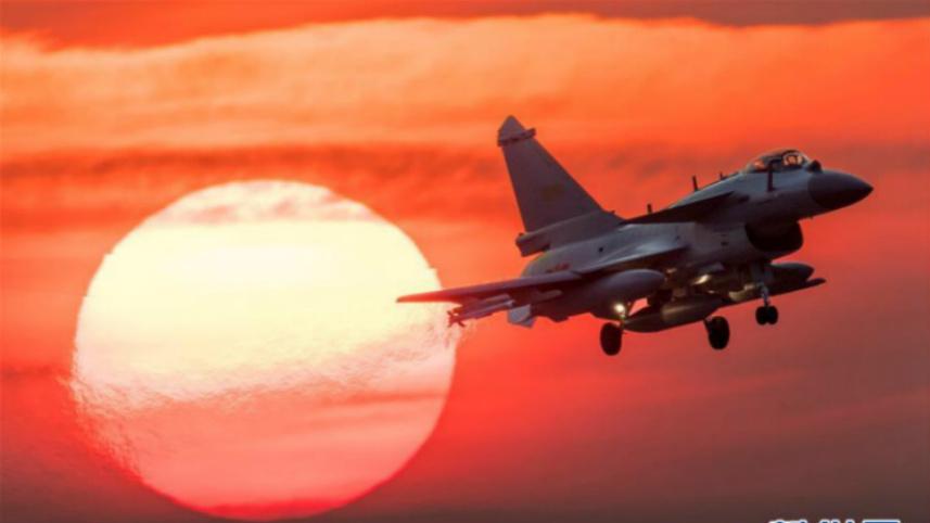 人民空军战斗力建设成就述评