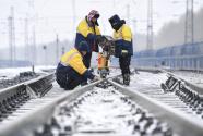 新时代奋斗者丨高铁改变春运,他们守护如初